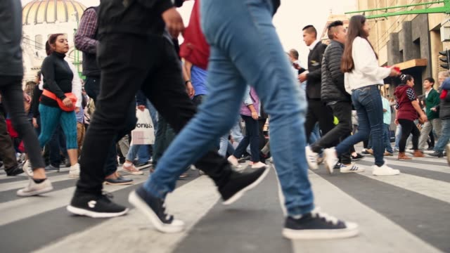 Crowded pedestrian crossing in Mexico City