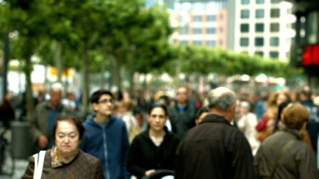 Crowdy Fußgängerzone In der Stadt (4 k UHD zu/HD) – Video