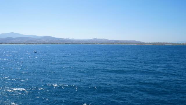 cruise ship at aegean sea, 4k resolution. - morze egejskie filmów i materiałów b-roll