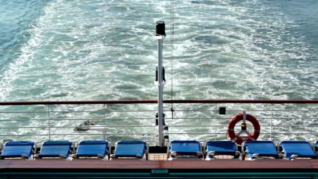 スターンボートクルーズ船のエンジン太平洋 hd モーニングコール - デッキ点の映像素材/bロール
