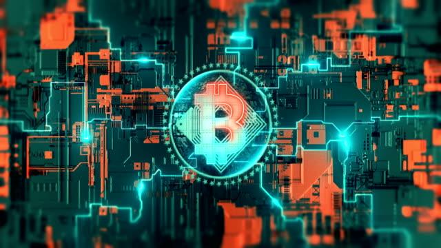 criptovaluta bitcoin blockchain simbolo processo di rete di crittografia digitale su circuito stampato. tecnologia che estrae lo sfondo futuristico dell'animazione video 3d 4k. - criptovaluta video stock e b–roll