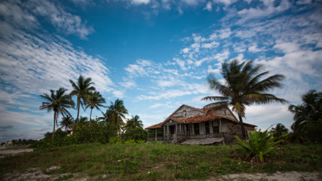 Cuba: Travel : Time lapse of old beach house in Varadero video