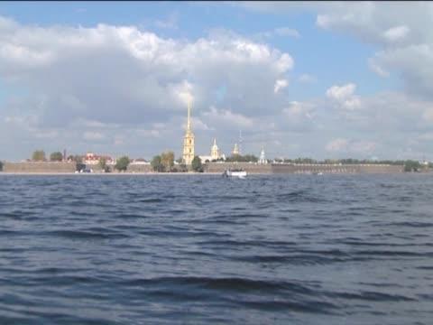 vídeos de stock e filmes b-roll de cultura e arquitectura monumentos. - embarcação comercial