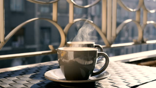 filiżanka kawy. - kultura włoska filmów i materiałów b-roll