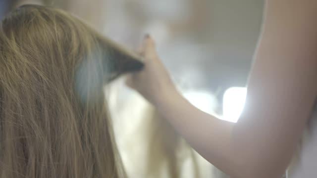 カーリーの髪型 - 美容院点の映像素材/bロール