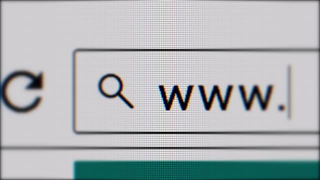 vídeos y material grabado en eventos de stock de cursor que escribe www en la barra del navegador. - seo
