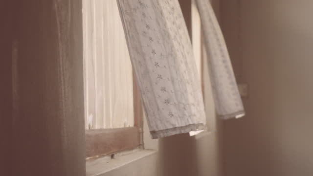 stockvideo's en b-roll-footage met cu gordijn en venster. - photography curtains