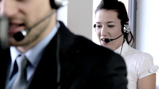 vídeos y material grabado en eventos de stock de linda mujer sonriente de servicio de atención al cliente de - centro de llamadas