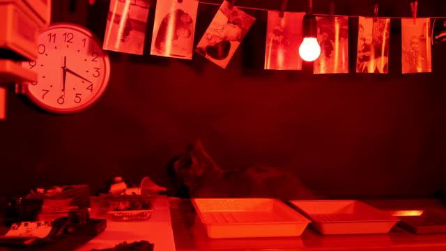 Videos de Cuarto Oscuro y Videos Libre de Derecho - iStock