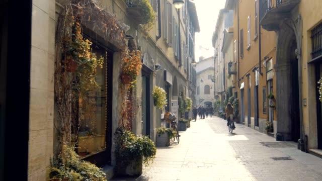 義大利科莫的可愛街道 - 廣場 個影片檔及 b 捲影像
