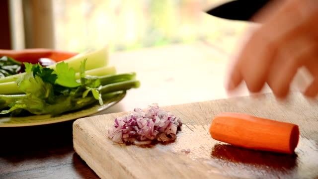 cutting carrot video