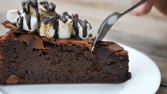 SLO MO Cutting Chocolate cake video