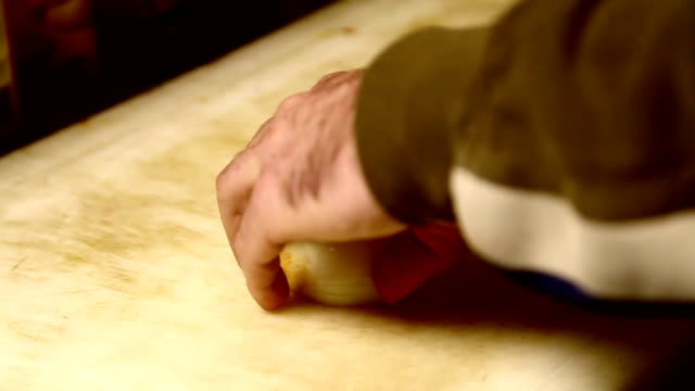 Cutting onions video