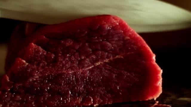 vídeos y material grabado en eventos de stock de bistec de corte de carne de res - carne