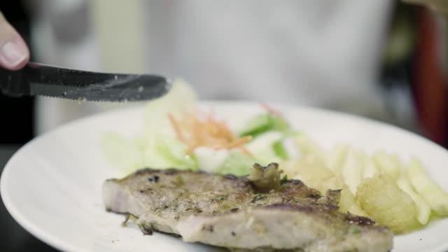 Cutting steak video