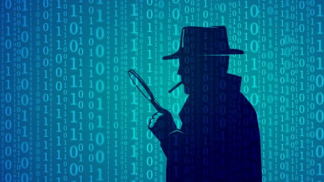 cyber kontrollinspektoren blick durch die lupe gläser - lupe stock-videos und b-roll-filmmaterial