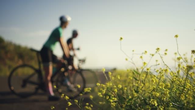 サイクリングは非常に多くの利点を持って ビデオ