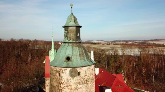 겨울의 초 차 성 - 성 건축물 스톡 비디오 및 b-롤 화면