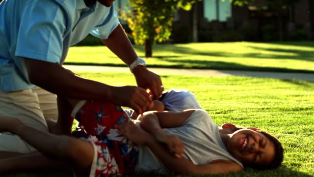 Dad tickles boys video