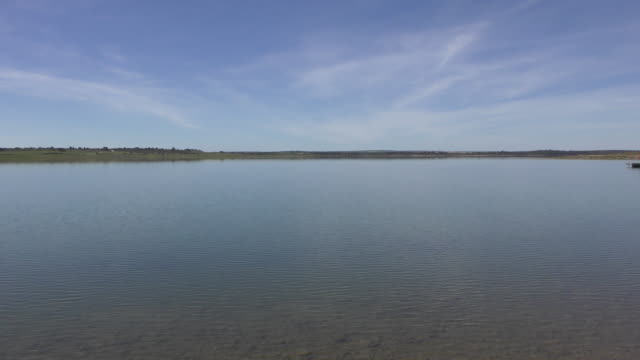 vídeos de stock e filmes b-roll de dam in portugal - barragem portugal