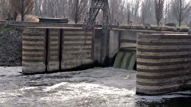 Dam on The River video