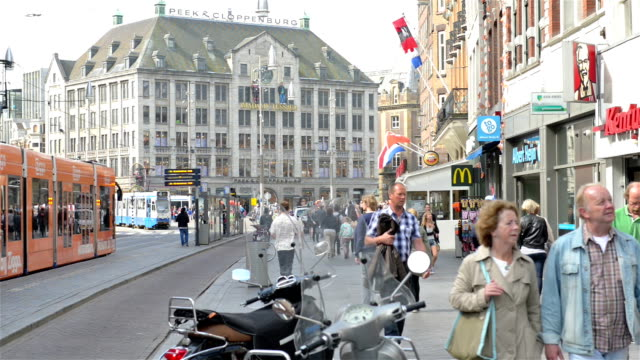 Dam Square in Amsterdam from Damrak video