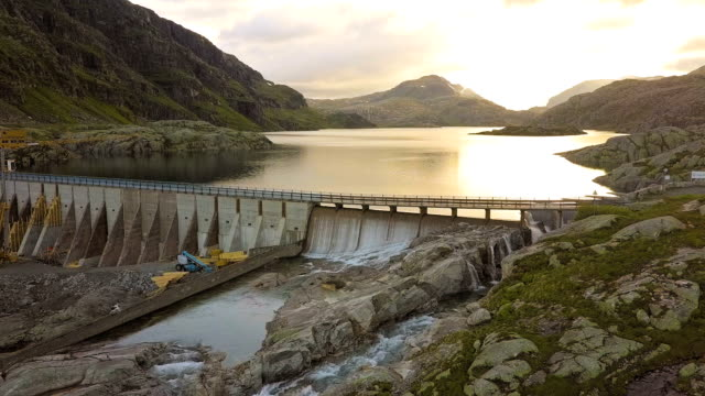 Dam - Svartevatn The Svartevatn dam is located between Sauda and Roldal in Norway. This dam is built in 1930 and at the time of filming, 2017, renovated to meet new standards. The dam is also a part of the national tourist road (the road passes over the dam) named