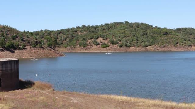vídeos de stock e filmes b-roll de dam - barragem portugal