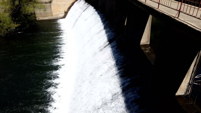 Dams for water drainage reduce the water intake of the dam, which drains