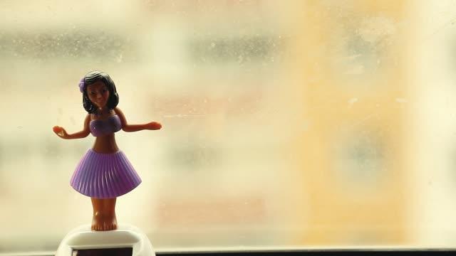 댄스 인형 창 hd 동영상 - hd 포맷 스톡 비디오 및 b-롤 화면
