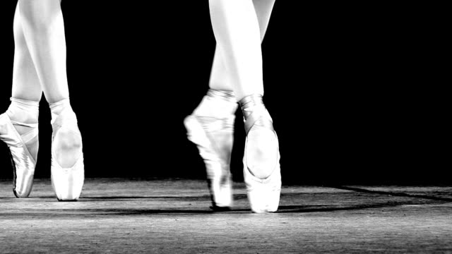 dance on pointe video