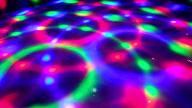 dancefloor diskotek bakgrund cirkel ljus golv psykedelisk - disco lights bildbanksvideor och videomaterial från bakom kulisserna