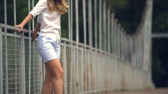 dancing and the fashion - аксессуар для волос стоковые видео и кадры b-roll