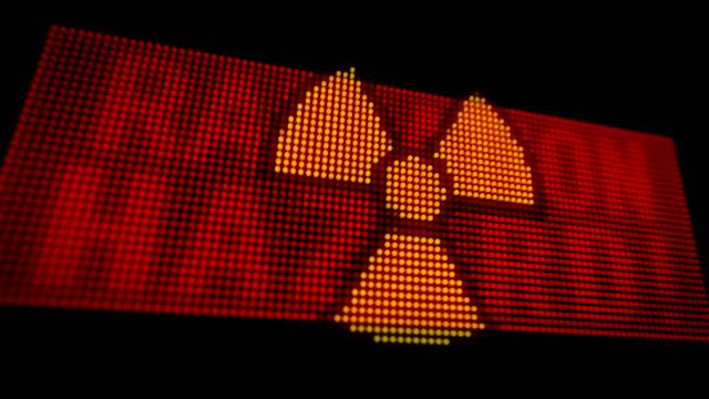 led di allerta rossa radiazione di pericolo - reattore nucleare video stock e b–roll