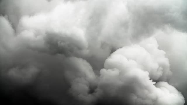 dark smoke cloud - d'atmosfera video stock e b–roll