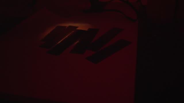 Videos de Cuarto Oscuro e Videos Libres de Derechos - iStock