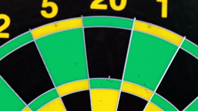 darts in red and green color.