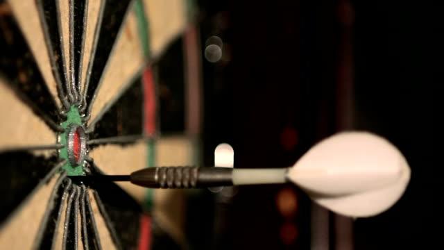 darts strike bullseye video
