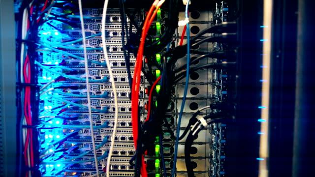 data center nätverks-switch - server room bildbanksvideor och videomaterial från bakom kulisserna