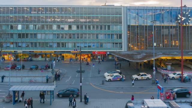 dag och natt-serien i münchen, tyskland - munich train station bildbanksvideor och videomaterial från bakom kulisserna