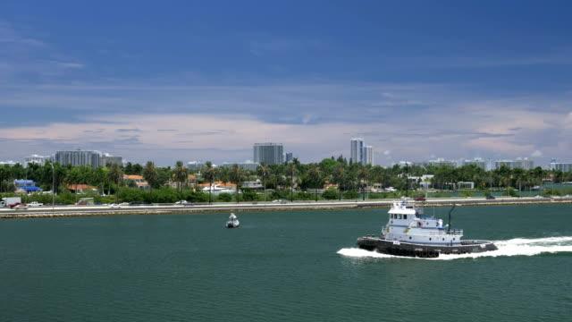 Day Establishing Shot of Tug Boat in Miami video