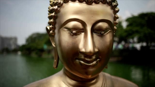 A day in the life of a Sri Lankan Street - Sri Lankan Buddha Sculpture A day in the life of a Sri Lankan Street - Sri Lankan Buddha Sculpture colombo stock videos & royalty-free footage