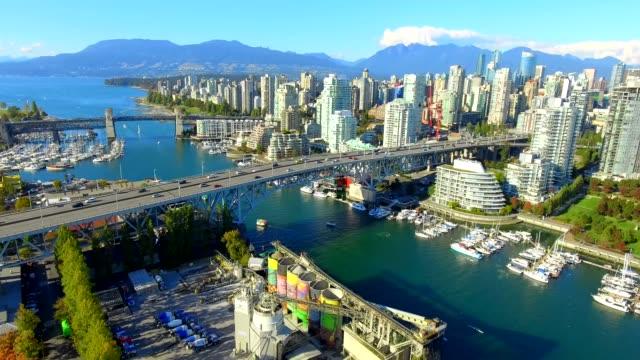 vídeos de stock e filmes b-roll de a day of granville island in vancouver | british columbia canada - vancouver