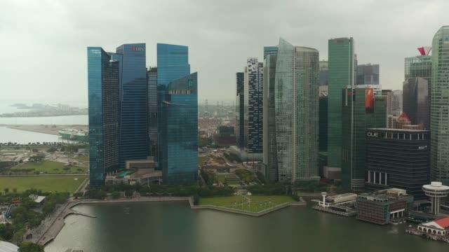 downtown bay hava panorama 4k gün zaman şehir - yat limanı stok videoları ve detay görüntü çekimi