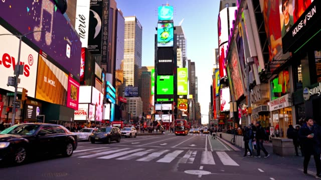 Tag. Times Square – Video