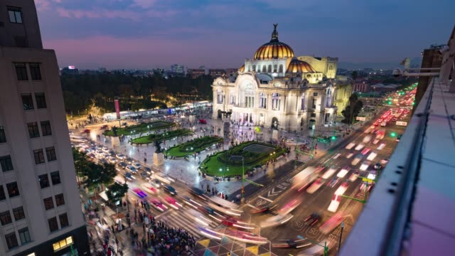 day to night time lapse of mexico city skyline - город мехико стоковые видео и кадры b-roll