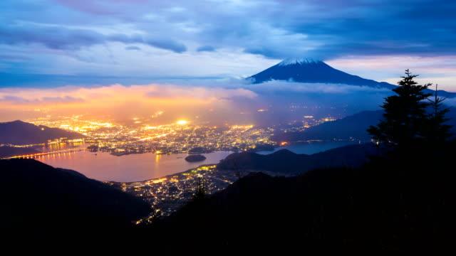 vidéos et rushes de 4 k jour de laps de temps de nuit du mont fuji, japon (vue aérienne) - fuji yama