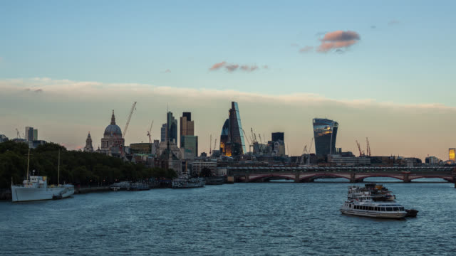 Day to Night Time Lapse of the City of London video