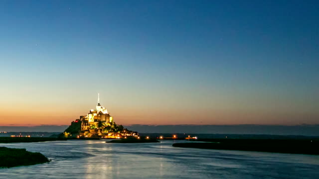 HD day to night Timelapse: Mont Saint Michele action France video