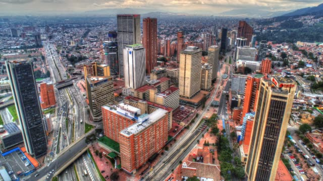 dagtid timelapse av downtown bogota colombia - colombia bildbanksvideor och videomaterial från bakom kulisserna